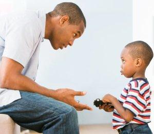 Çocukken hissettiğimiz şeyin doğru olmadığını ve böyle hissettiğimiz için utanç duymamız gerektiğini öğreniriz.