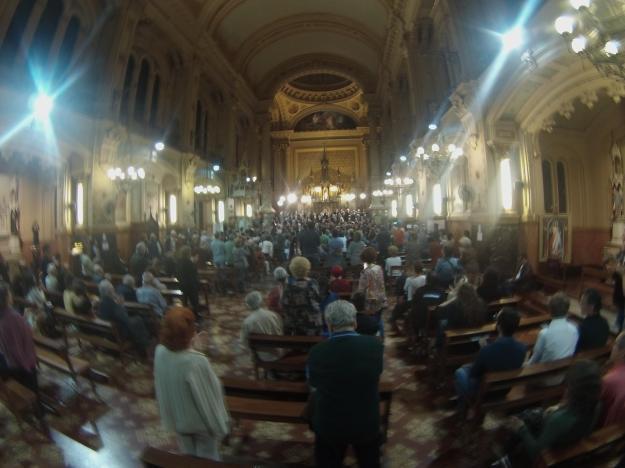 Yolda yürürken Buenos Aires Polifonik Korosu'nun kilisedeki muhteşem konserine denk gelip izleme şansınız olablir.